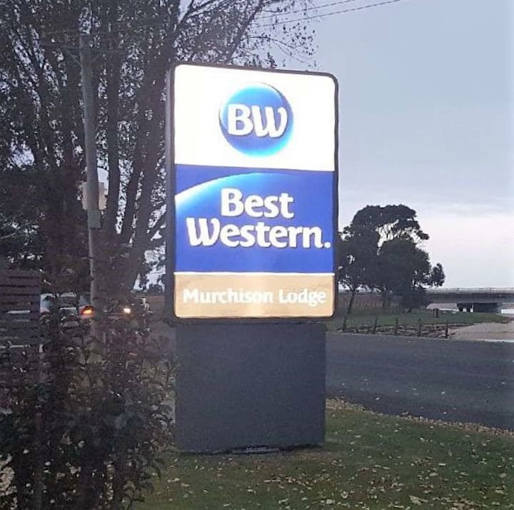 Best Western Murchison Lodge -Queen Room (Min 30N)