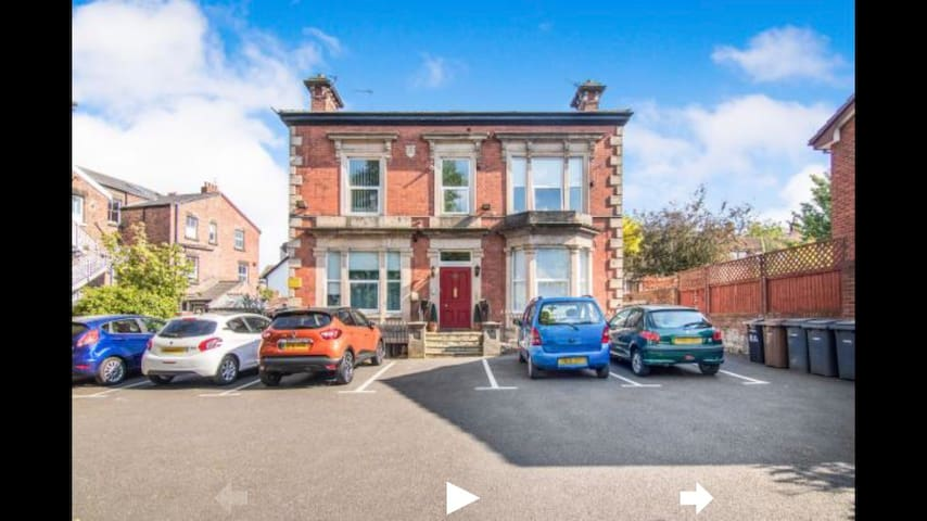 Beautiful basement apartment in Oxton, Wirral