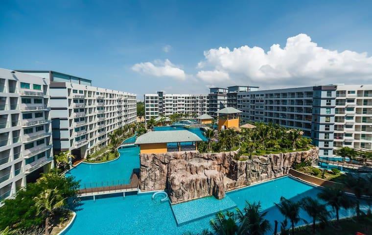 Laguna Beach Maldives  resort  largest pool内设最大的泳池