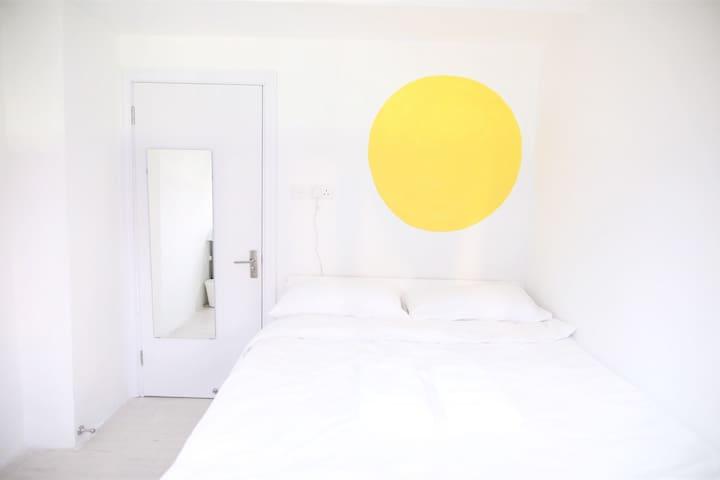 The yellow room Mong Kok