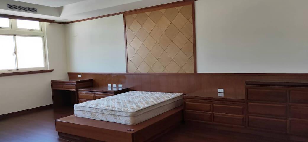 自住宅全新中國風/大套房601/民清家具體驗/廚房可以開伙使用