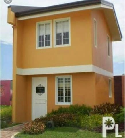 2 bedroom , charming rustic minimalist house - Bacolod - House