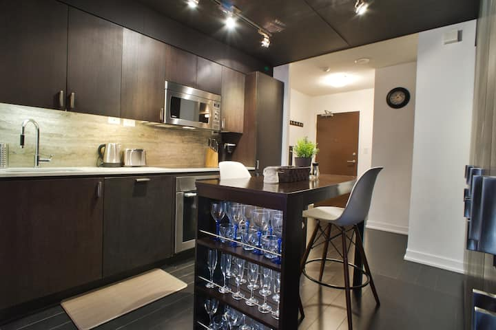 Cozy Downtown Nook w/ 2 Bedrooms & Free Parking