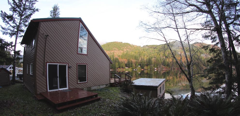 Cozy Lake Front Cabin - Port Angeles - Cabin