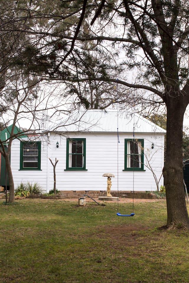 The Coach House, Tilbrook  Wintertime