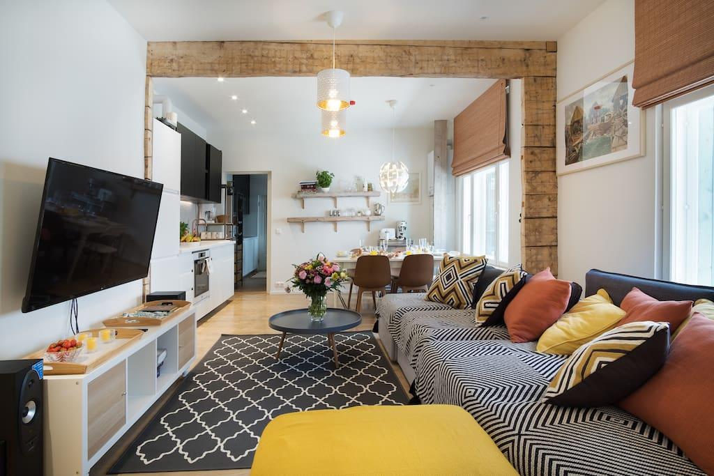 Livingroom with the hudge sofa