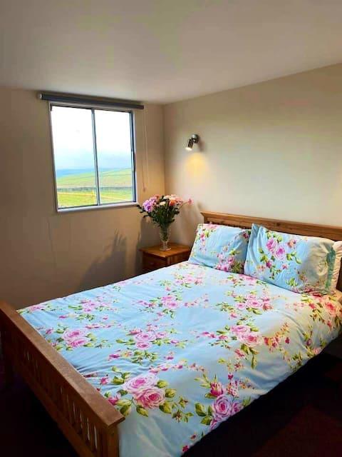 Buxton Holiday Lets SunrIse Eco Cabin