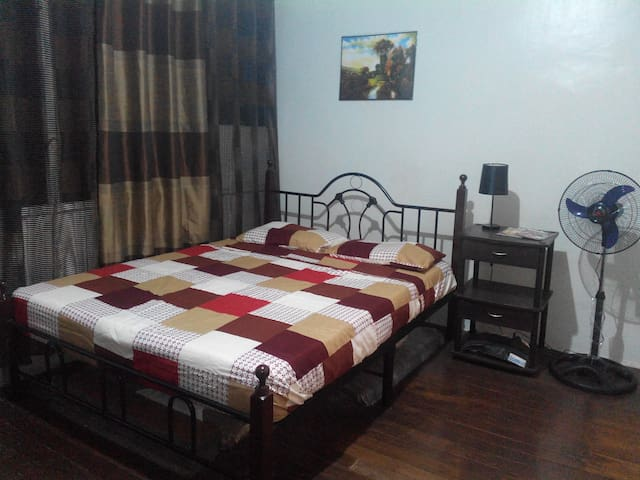Quiet, Spacious, Affordable behind Walking St - PH - Apartamento