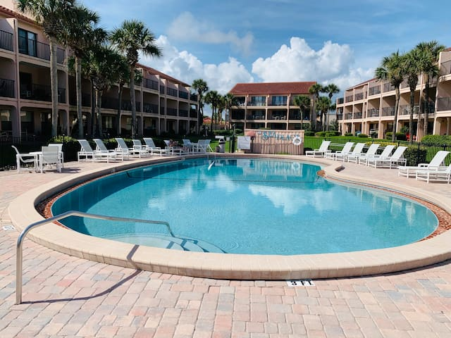 Sun-Sand-& Sea  Ground Floor Beach Condo