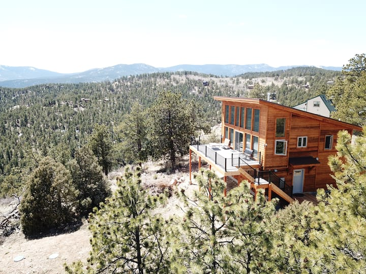 Refreshing Mountain Retreat Cabin - WiFi available