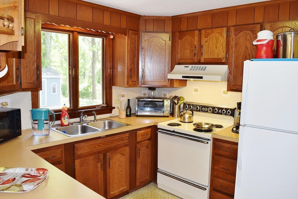 Kitchen is fully equipped with all standard appliances