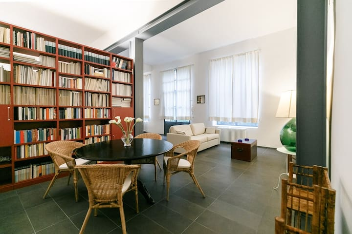 MACCI Santa Croce amazing open space apartment - Florence - Leilighet