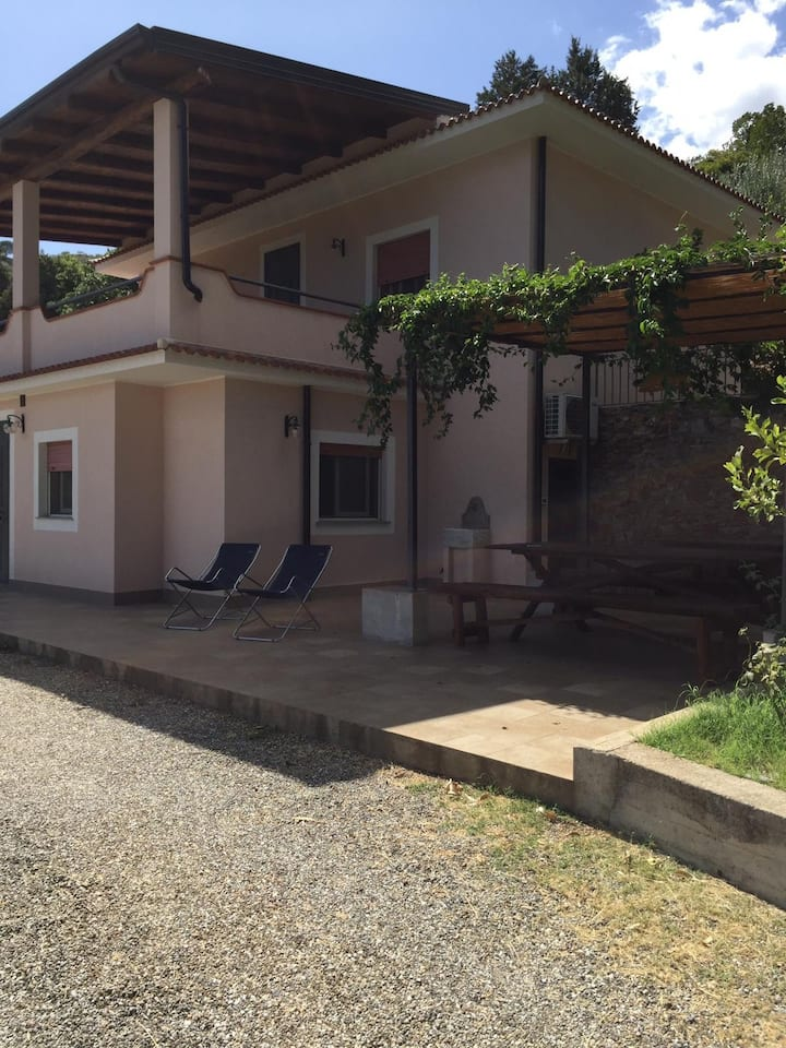 Casa Rosa - great views and a large private garden