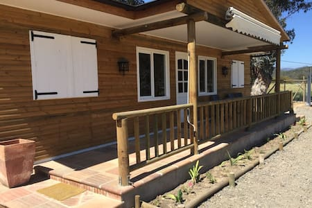2 Rooms in Equestrian Center - Limache