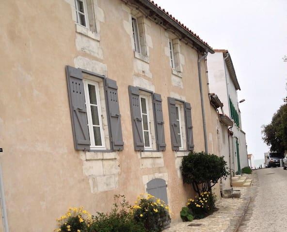 Your beautiful Ile de Ré home in La Flotte