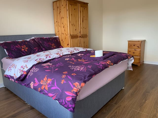 Beautiful double room4 near Solihull, Birmingham