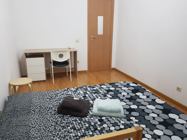 Privative room in apartment near Lisbon