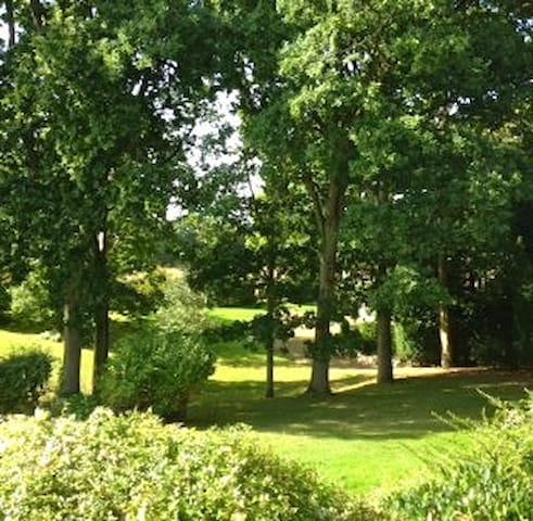 Secluded West Sussex retreat, in stunning grounds - West Sussex - Daire
