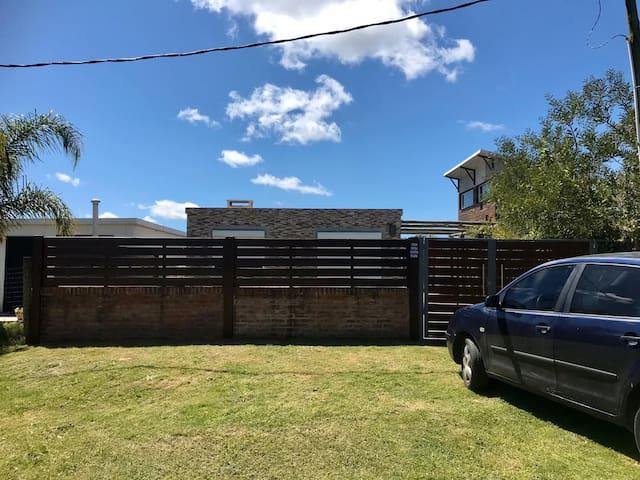La Bota  - Casa con parrillero y patio