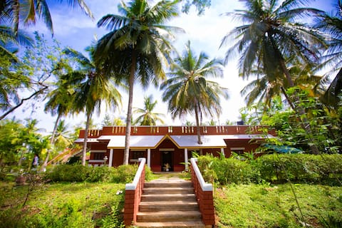 Double Room in Farmhouse Coconut Grove