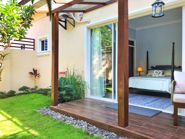 Room 2 in LenaHouse: private garden, cozy stay