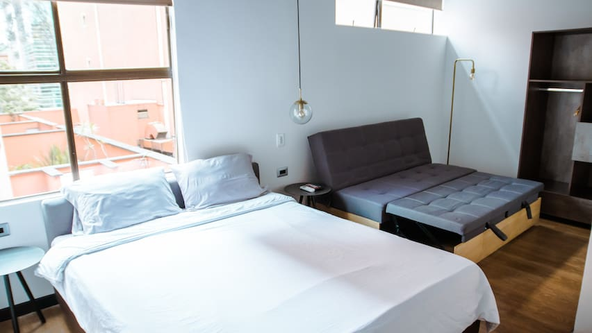 Cool and fressh Room in 93 Park (401)