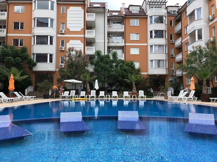 Sea Diamond apartments