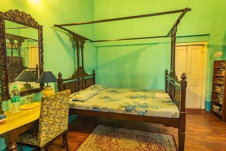 RedBrick Sarat Bose 4 - Heritage GH - Kolkata