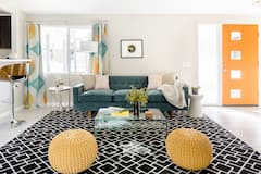 Palm+Desert+Oasis+in+Colorful+Mid-Century+Style