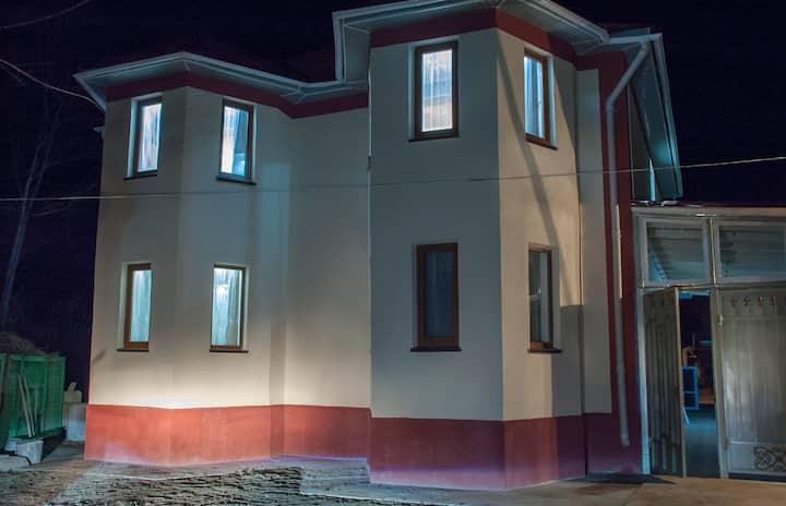 Тихий Дом в живописном краю Кыргызстана