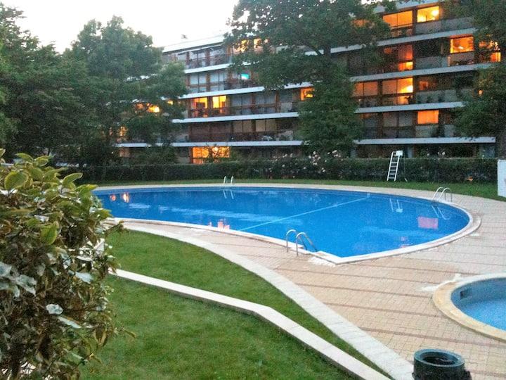 Swimming Pool, Gardens, Woods and Monoprix !