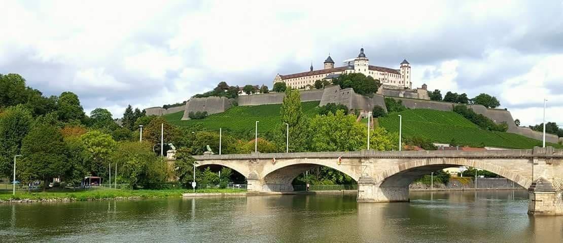 Willkommen in Würzburg  اهلا بكم فى Willcome