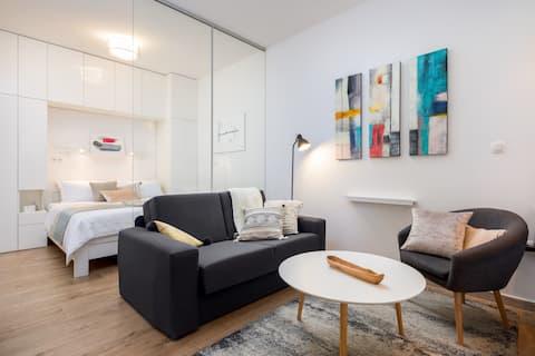JoJo studio apartment - Feel the City's Heartbeat