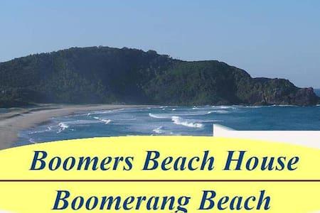 Boomer's Beach House - Boomerang Beach