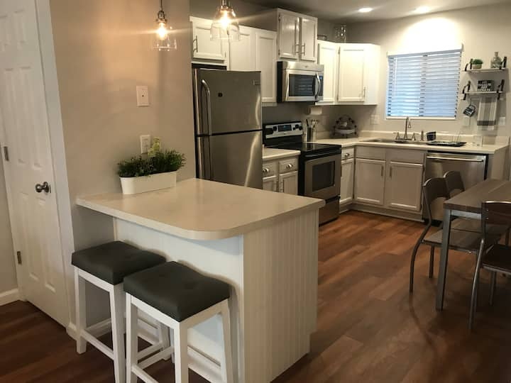 Adorable downtown Prescott apartment