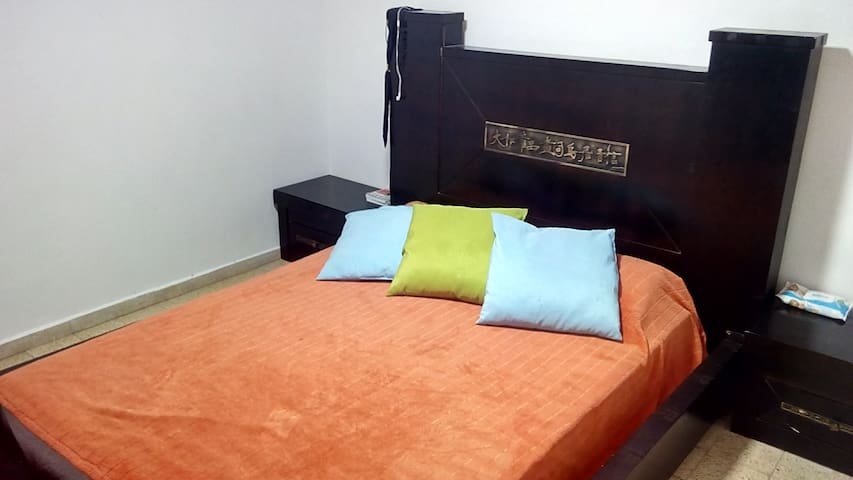 Bed in 6-Bed Mixed Dormitory Room11 - Gedera - Casa