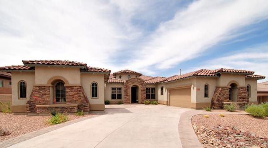 Gorgeous Dove Mountain Golf Retreat - Marana - House