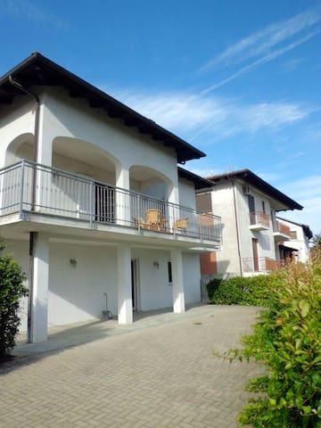 Villa with garden - Bubbio, Asti