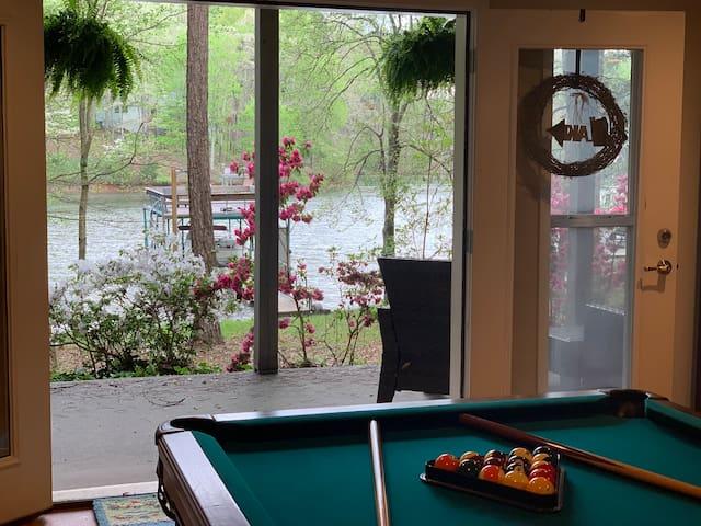 Livin the Dream:  Peaceful Retreat in Quiet Cove!