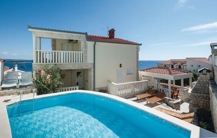 Villa Stephany, with a pool , great location