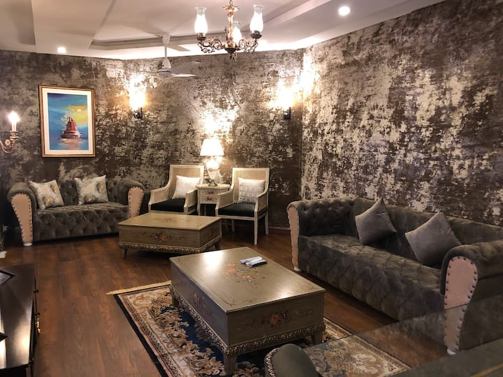 F-10Luxury private room in the heart  of Islamabad