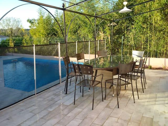 Maison de Vacances avec Piscine - Marignane - Rumah