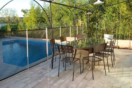 Maison de Vacances avec Piscine - Marignane - Hus