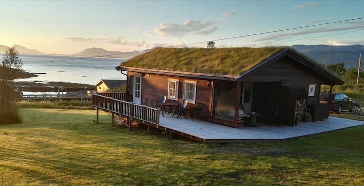 Cozy cabin in pearl of Senja