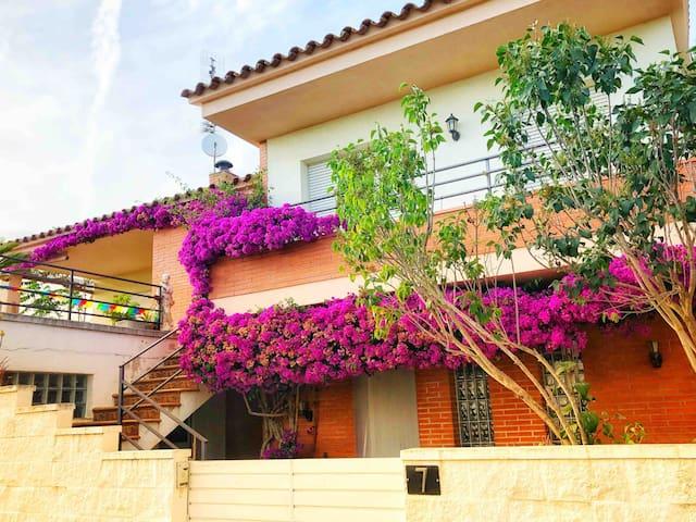 Casa amb piscina entre la Costa Brava i  Girona