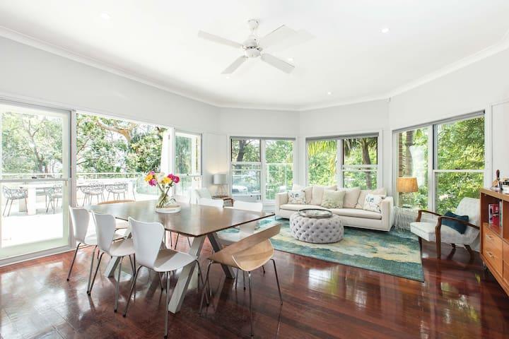 Spacious, modern home, 20 mins to CBD - Greenwich - Huis