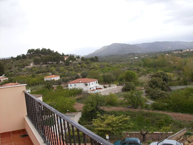 Bonito lof con preciosas vistas cerca de Valencia - Benafer - Loft-asunto