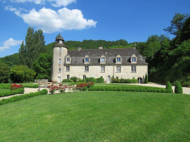 Le château de Gaubert en Périgord noir