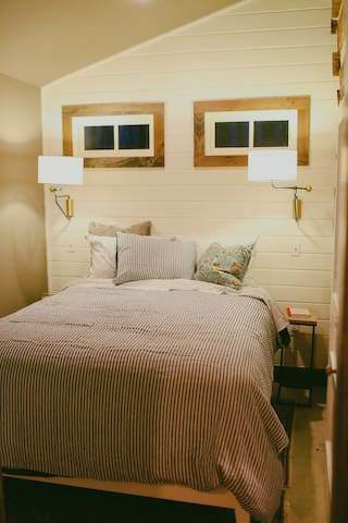 Master bedroom, downstairs with queen bed.