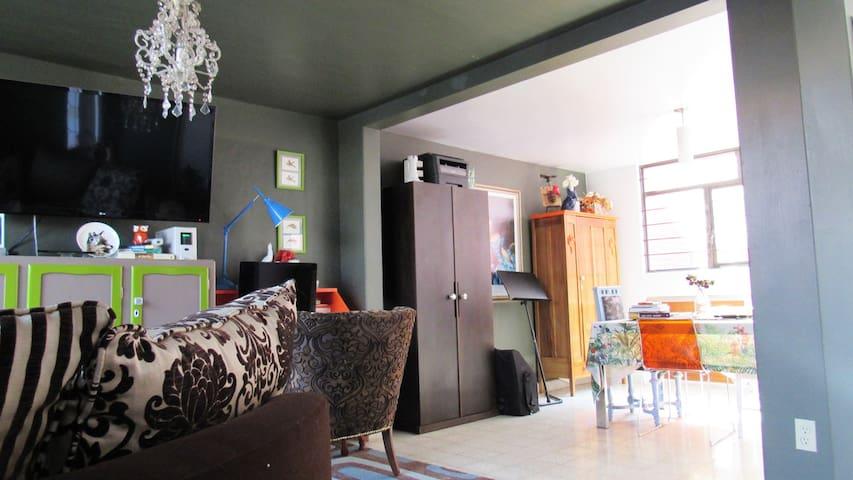 Quiet, charming, private room north of CDMX!